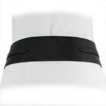 CURVE PERFECT WEST BELT <br > black & black patent shell w/ Italian buckle